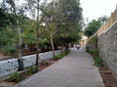 Dhamma Thali, Jaipur -path